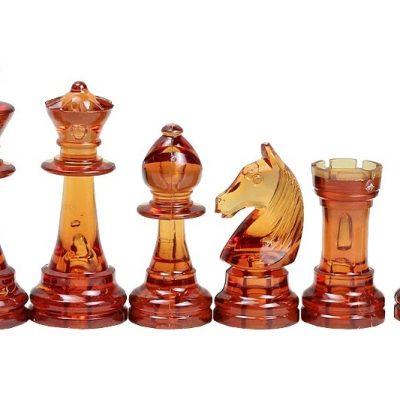 Pièces de jeu d'échecs en ambre transparente