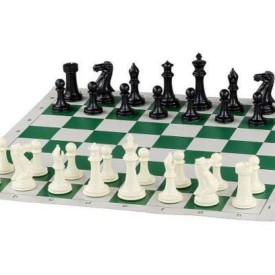 Ensemble plateau et pièces d'échecs en plastique